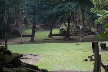 Harvest Caye Excursion:  The Ruins of Nim Li Punit