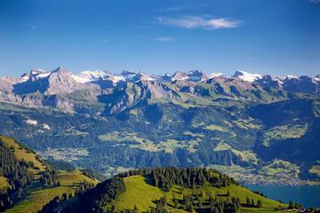 チューリッヒ発、夏のリギ山とルツェルン一日観光