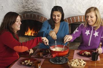 Tour culinario da Zurigo con cena tradizionale a base di fonduta di