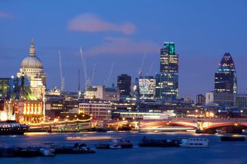 Passeio turístico noturno independente por Londres com motorista...