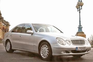 Trasferimento privato Executive alla partenza per un aeroporto di