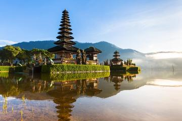 Private Tour: Royal Lake and Sea Temples
