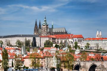 Fantastico tour a piedi di Praga che include crociera sul fiume