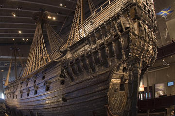 Small-Group Panoramic City and Vasa Museum Tour