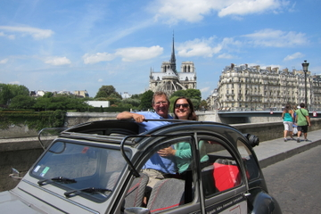Exclusivité Viator: visite privée à Paris en Citroën 2CV