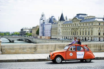 Vintage 2CV Transfer to the Lido de Paris