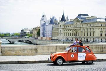 Visite privée: transfert aller-retour au Lido de Paris en 2CV...