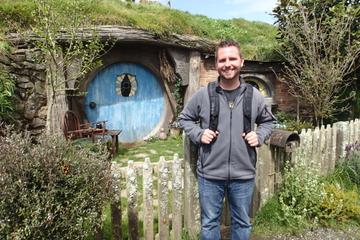 Excursion d'une journée aux grottes de Waitomo et au studio de cinéma...