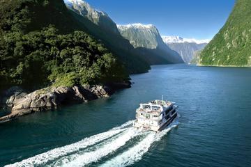 Recorrido de día completo por Milford Sound desde Te Anau a Queenstown