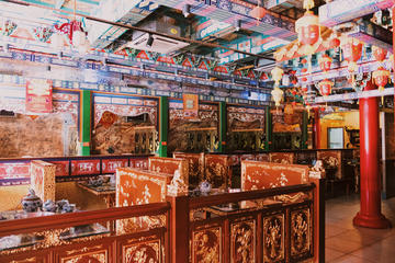 Taste real Sichuan cuisine in a luxury restaurant