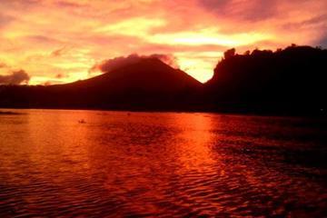 Mount Batur Sunrise Trekking Guide With Banana Sandwhich Breakfast on The Peak