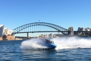 Aventura em jetboat no Porto de Sydney