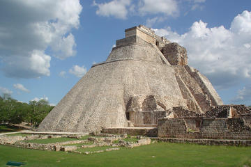 Private Tour to Uxmal and cenote with hacienda Yaxcopoil