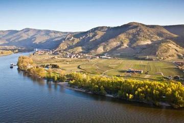 Excursión para grupos pequeños al valle de Wachau y cata de vinos de...
