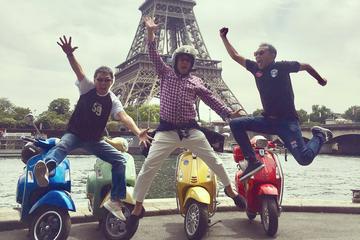 3.5-Hour Private Paris Guided Vespa Tour with Gourmet Break
