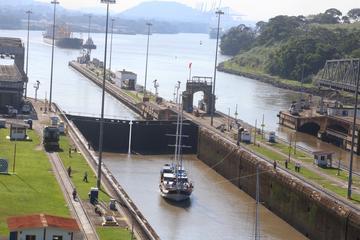 Recorrido por parte del Canal de Panamá