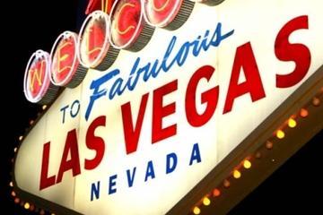 Tour notturno della Strip di Las Vegas in pullman di lusso