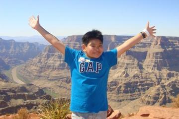 Viagem diurna à margem oeste do Grand Canyon de ônibus, helicóptero e...