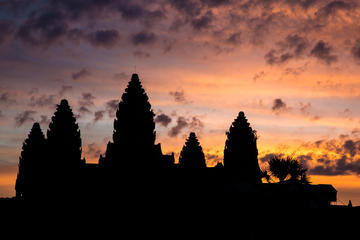 Angkor Wat Sunrise and Temples from Siem Riep Small-Group