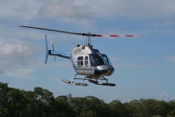 Tour en hélicoptère sur la ville de Belize et la barrière de corail