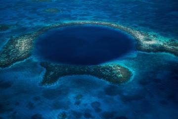 Tour in elicottero del Blue Hole e delle isole Turneffe