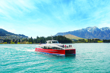 Cruzeiro de catamarã pelo Lago Wakatipu partindo de Queenstown