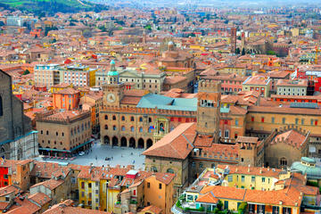Bologna Small Group Tour: the Oldest...