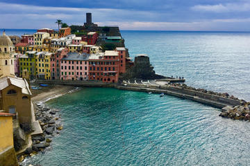 Cinque Terre shared boat tour with aperitivo and lunch