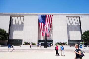 Private Combo Tour: National Museum of American History and National...