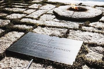 Small-Group Combo Tour: Arlington National Cemetery and the National...