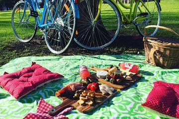 Melbourne Self-Guided Bike Tour and Picnic Experience