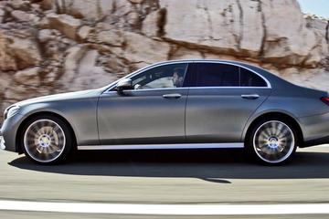 Private Arrival Transfer from Brussels Airport to Brussels City in Business Car