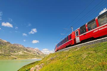 Excelente viaje en el tren Bernina Express de San Moritz a Tirano