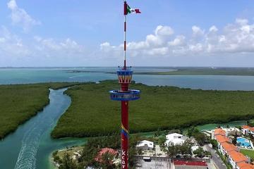 Entrada a la Torre Escénica de Cancún