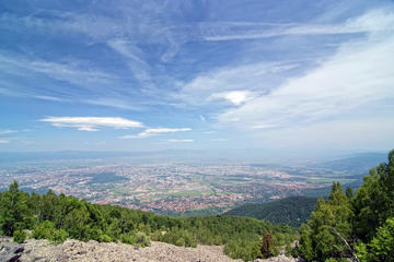 Hiking to the top of Vitosha mountain