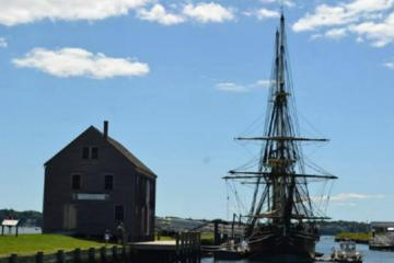 Book Salem Combo Tour: Daytime Walking Tour Plus Haunted History Evening Tour on Viator