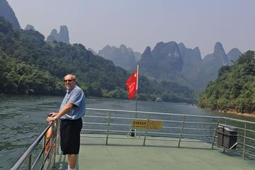 1 day Guilin Li River Cruise and Yangshuo Countryside Cycling Private...