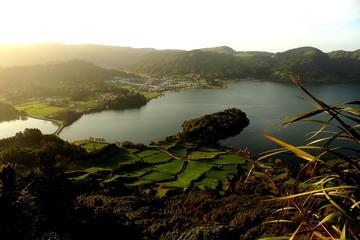 Full-Day 4WD Tour to Lagoa do Fogo...