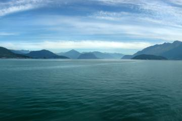 Howe Sound Boat Cruise and Land Tour Including Horseshoe Bay