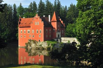8 hours Two Castles Private Tour: Hluboká and Red Lhota