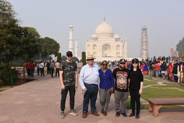 Group Tour:Full Day Taj Mahal And Agra Fort From Delhi