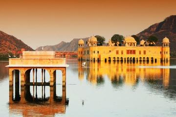 Private 2 Days Luxury Overnight Private Jaipur Tour from Delhi