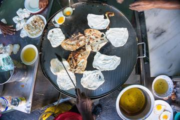 Kuala Lumpur Evening Tour: Local Life and Street Food