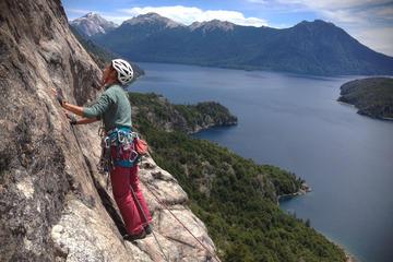 Excursión de escalada en roca de un...