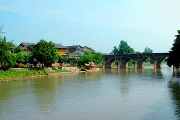 Private Tour: Pingle Ancient Town and Jin Hua Mountain with Lunch Day Trip from Chengdu