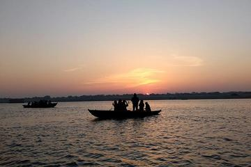 Private Tour: River Ganges Boat Ride at Dawn