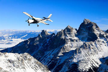 Day Trip 60 Minute Scenic Flight Tour of the Tetons near Jackson, Wyoming