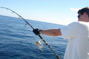 6-hour sport fishing by boat from ...