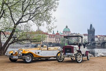 Historical Car Sightseeing Tour in...