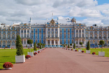 Half-Day Tour to Pushkin and Catherine's Palace from St. Petersburg